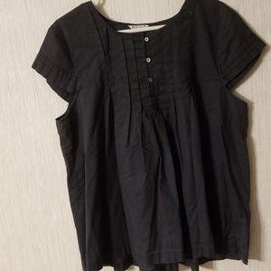 Old navy dark grey shirt